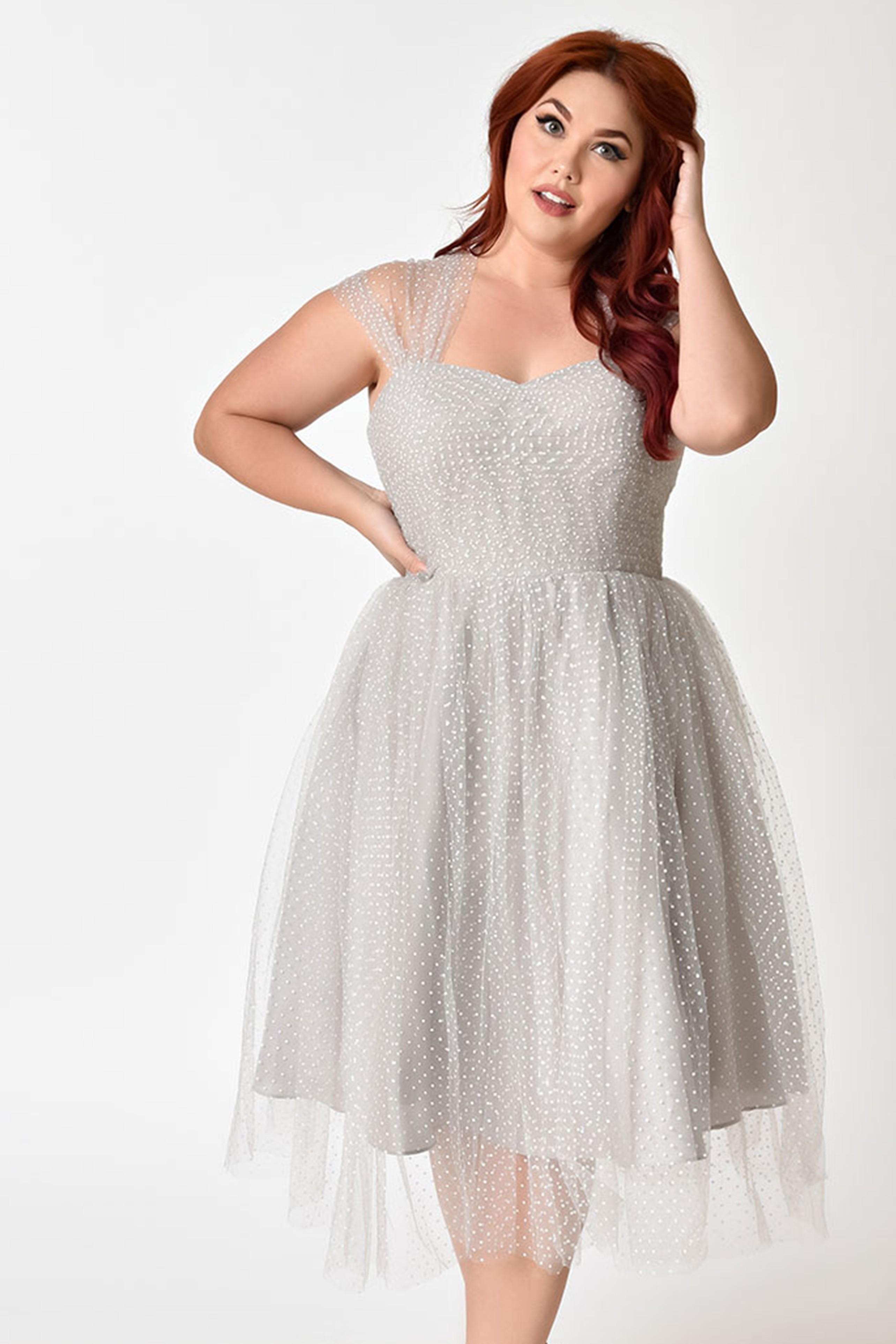 short-plus-size-vintage-cocktail-dresses-blonde-pussy-peeing