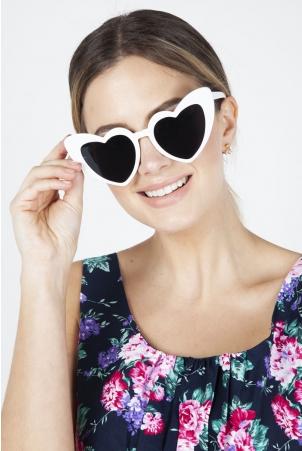 Patsy Retro White Heart Sunglasses