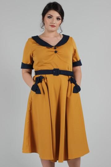 Curve Maryann Dress with Short Sleeves