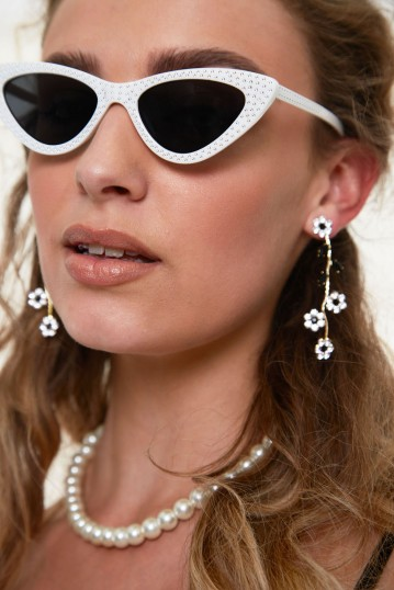 Dolly Sparkle Sunglasses in White
