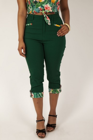 Ivy Green Capri Trousers with Pockets